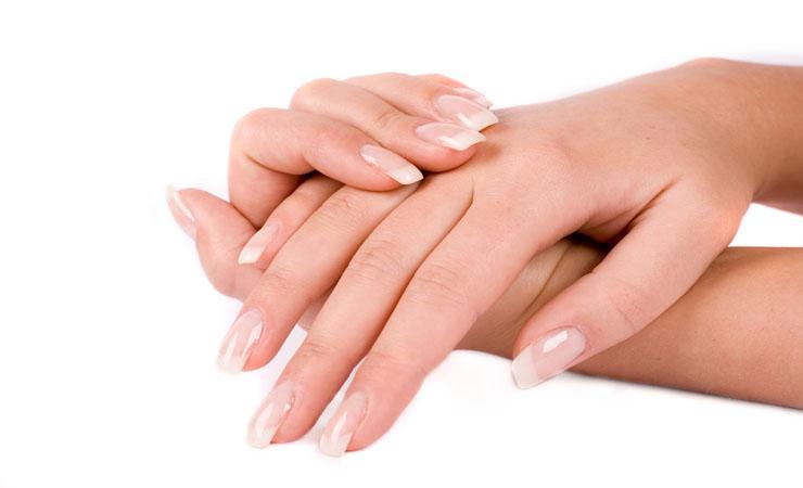 moisturize-nails